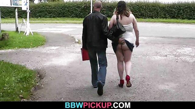 Lujuriosa mujer de cuerpo grueso seduce a un joven delgado maduras calientes follando