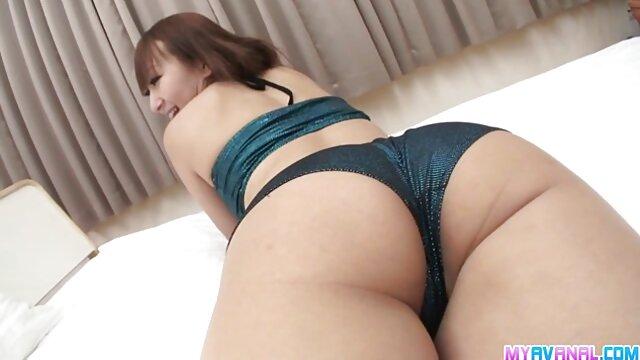 La tía tiene sexo con videos pornos maduras calientes sobrina. Garganta profunda por tia