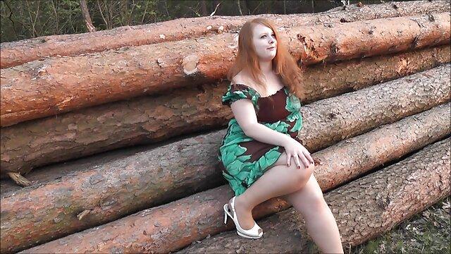 FemaleFakeTaxi Euro babe ofrece su coño maduras madres calientes como tarifa a tetona