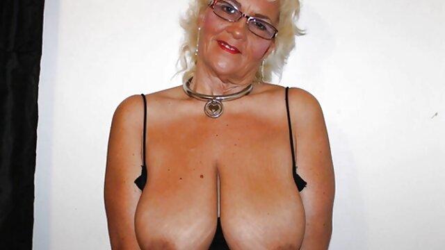 dama alemanas maduras calientes con defectos de nacimiento