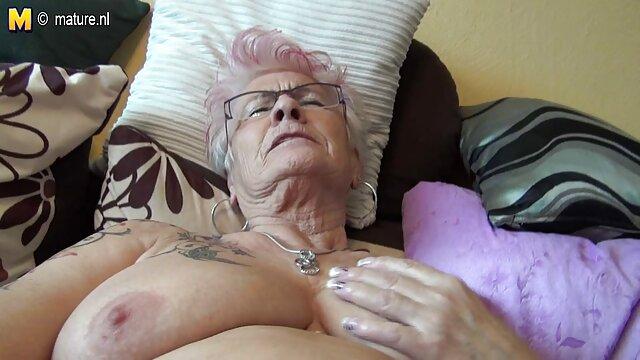 Madurita de enormes tetas de silicona le gusta videos calientes maduras gratis el sexo