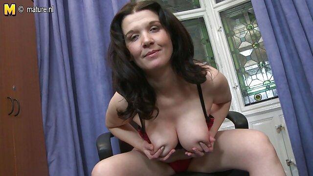 La rubia smokiung más señoras super calientes sexy