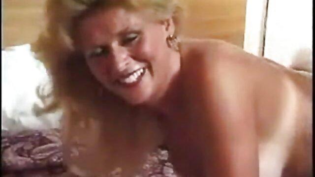 Mofos - El torero se folla a una fan señora caliente mexicana brasileña protagonizada por Angie White