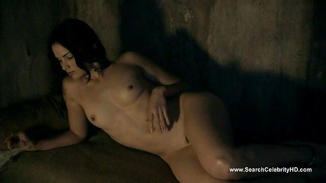 Kirsten señora caliente cojiendo Klark a menudo tiene aventuras sexuales duras