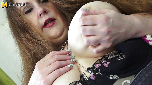 21Sextreme pinchazo y dedos gruesos señora caliente cojiendo para un agujero afeitado apretado